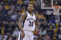 Sources: Phoenix Suns acquire guard Troy Daniels
